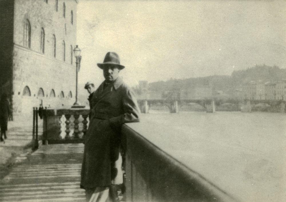 ChughtaI artist in Europe 1932