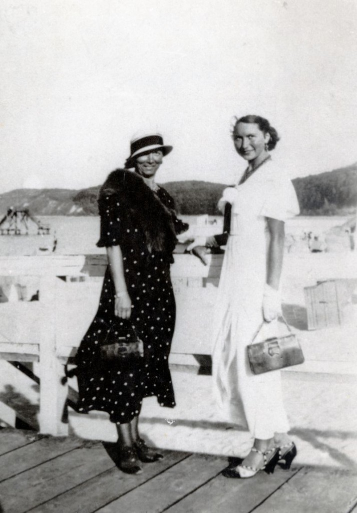 Elza Huiffner with mother