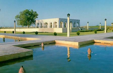 Kamran Baradari Lahore renovated